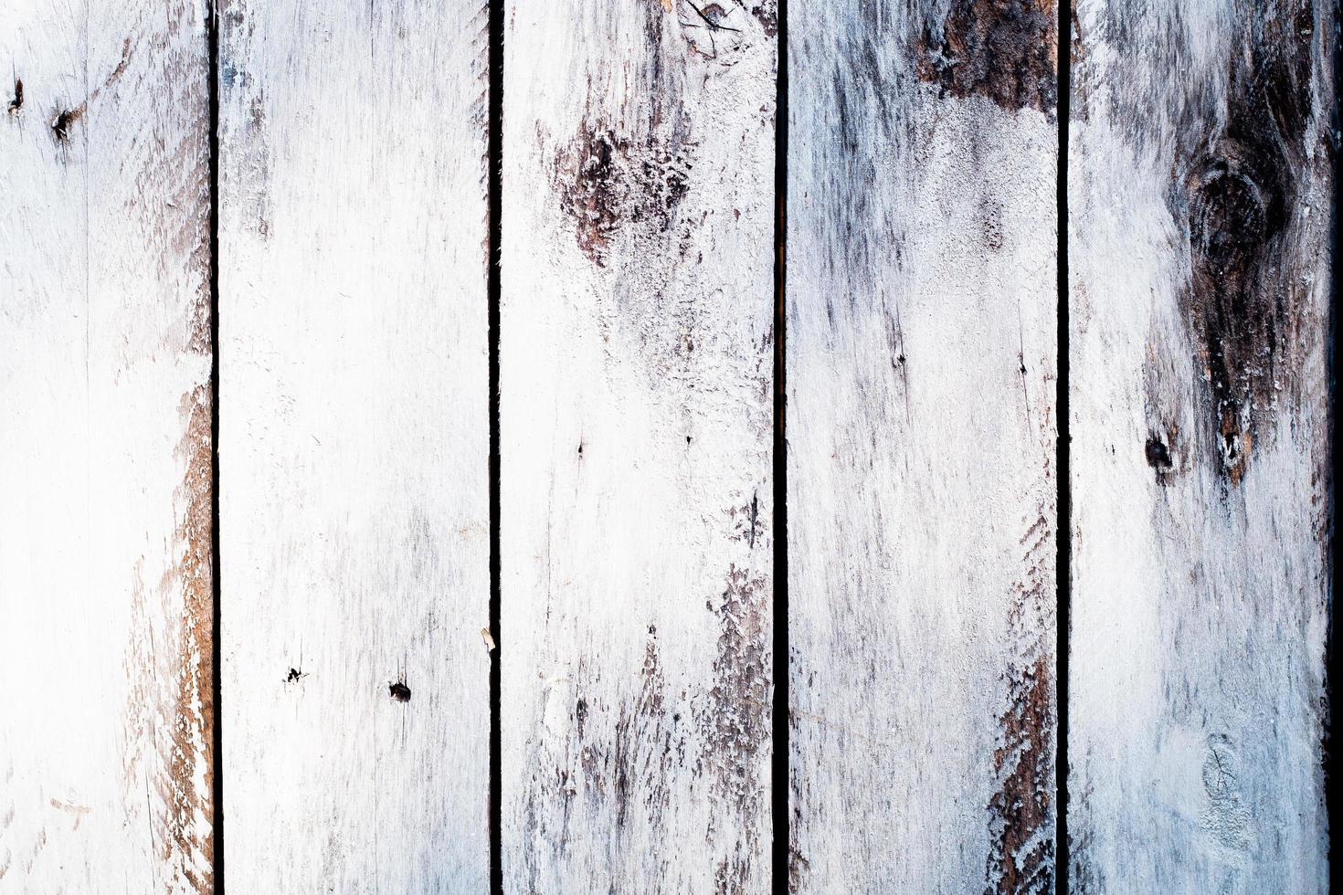 vernice scrostata su legno vecchio foto