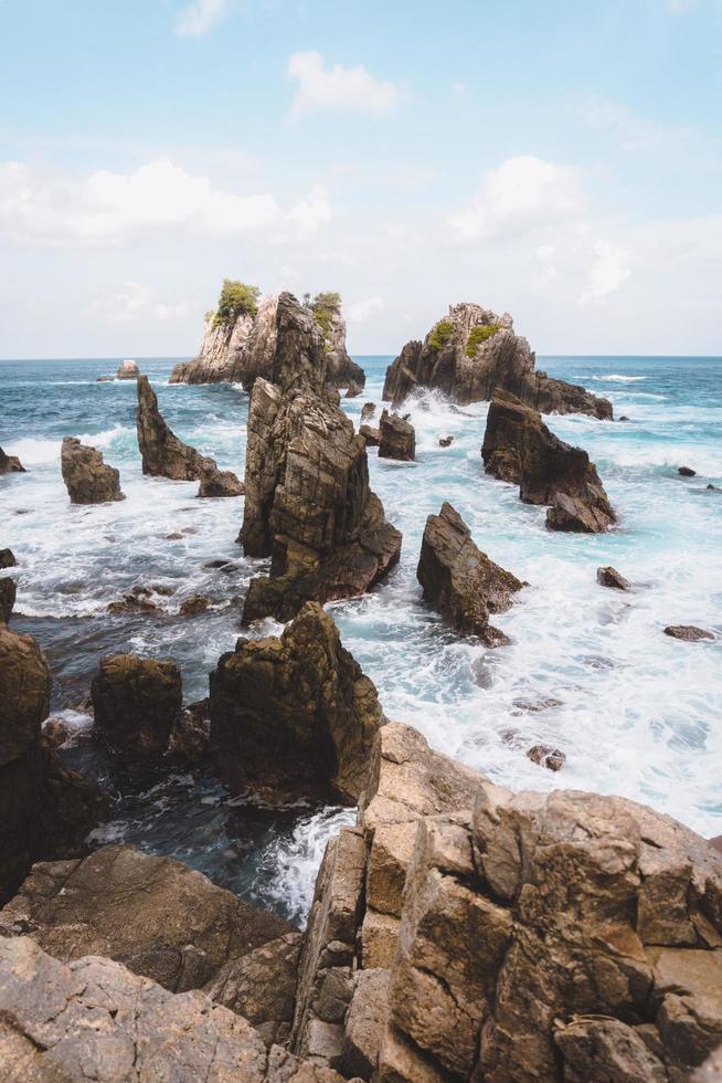 rocce nel mare foto