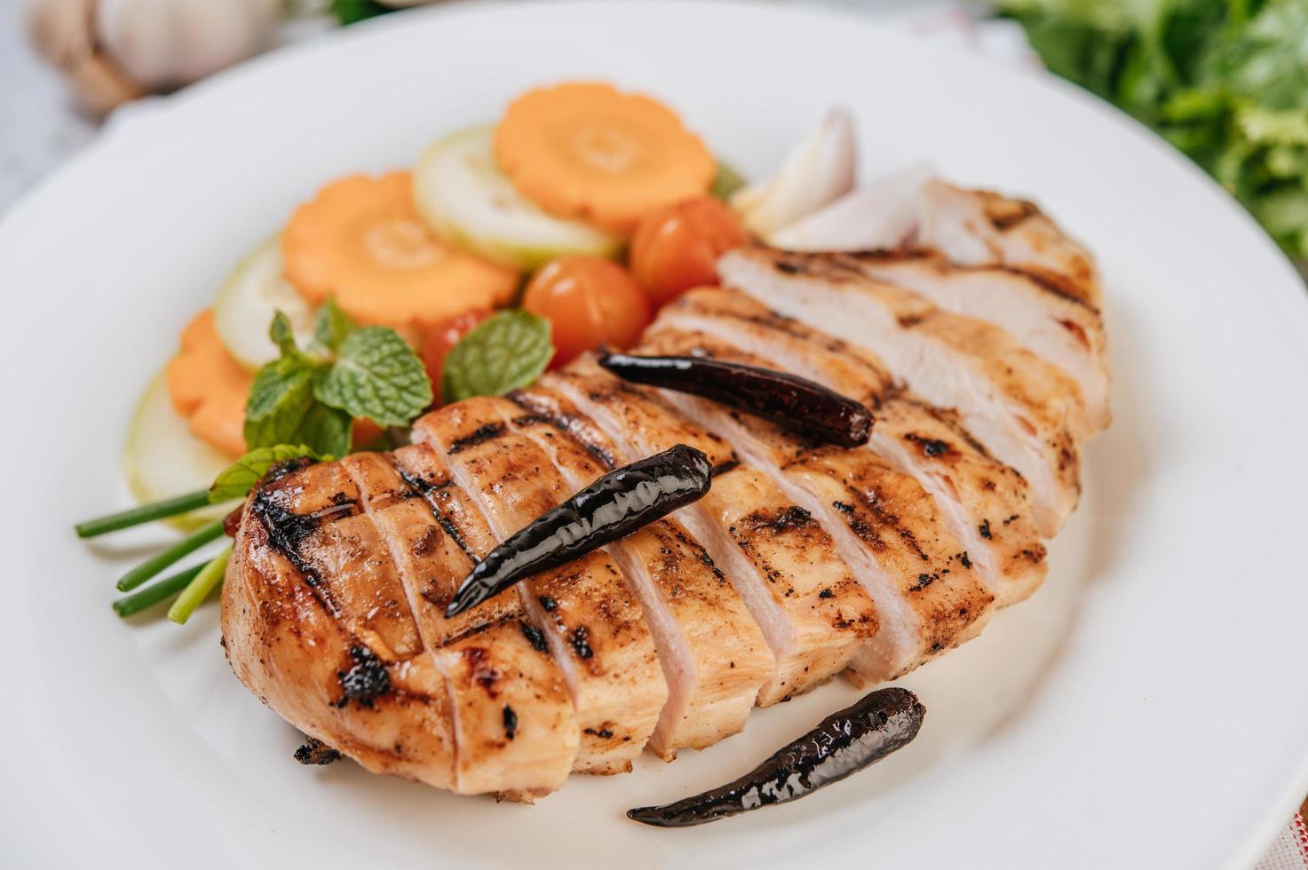 pollo gourmet alla griglia a fette foto