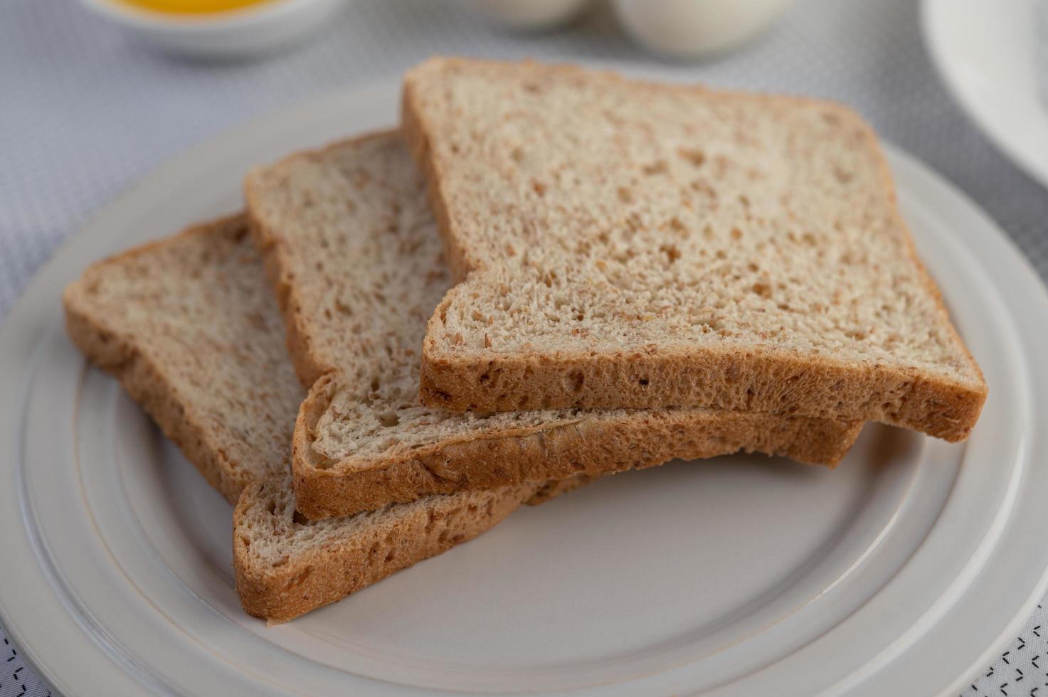 pezzi di pane a fette foto