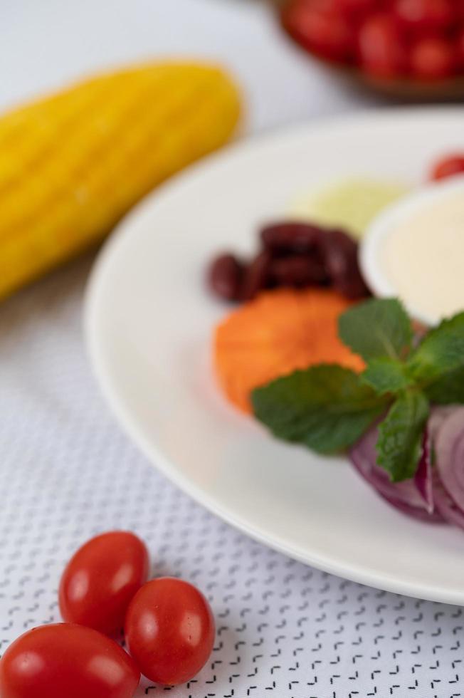 ingredienti per condire l'insalata in tazze foto