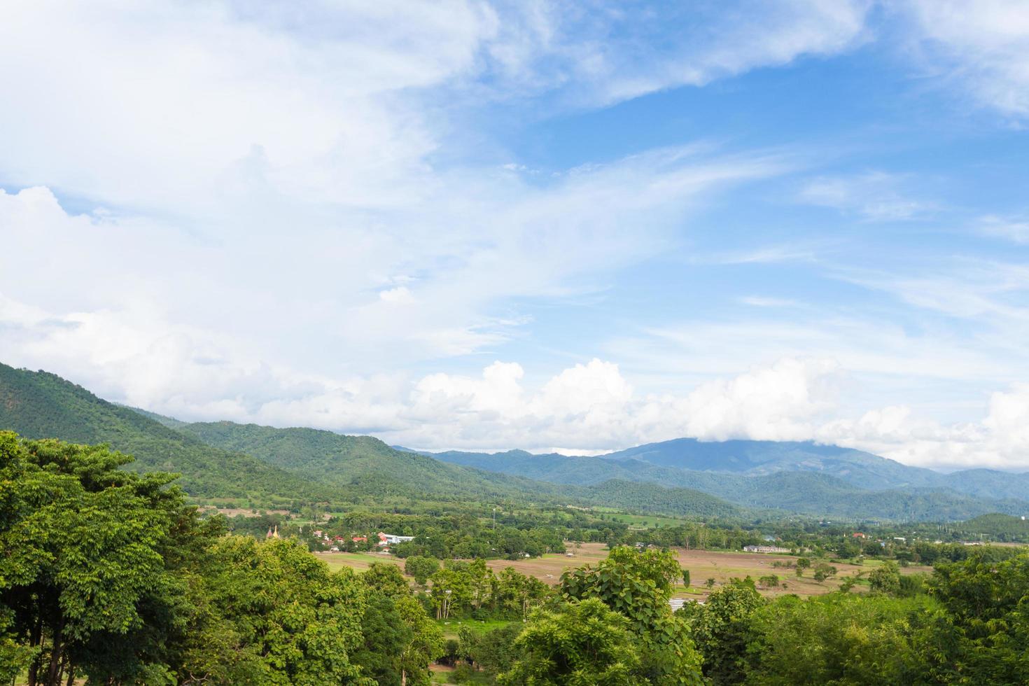 montagne e foreste in Tailandia foto