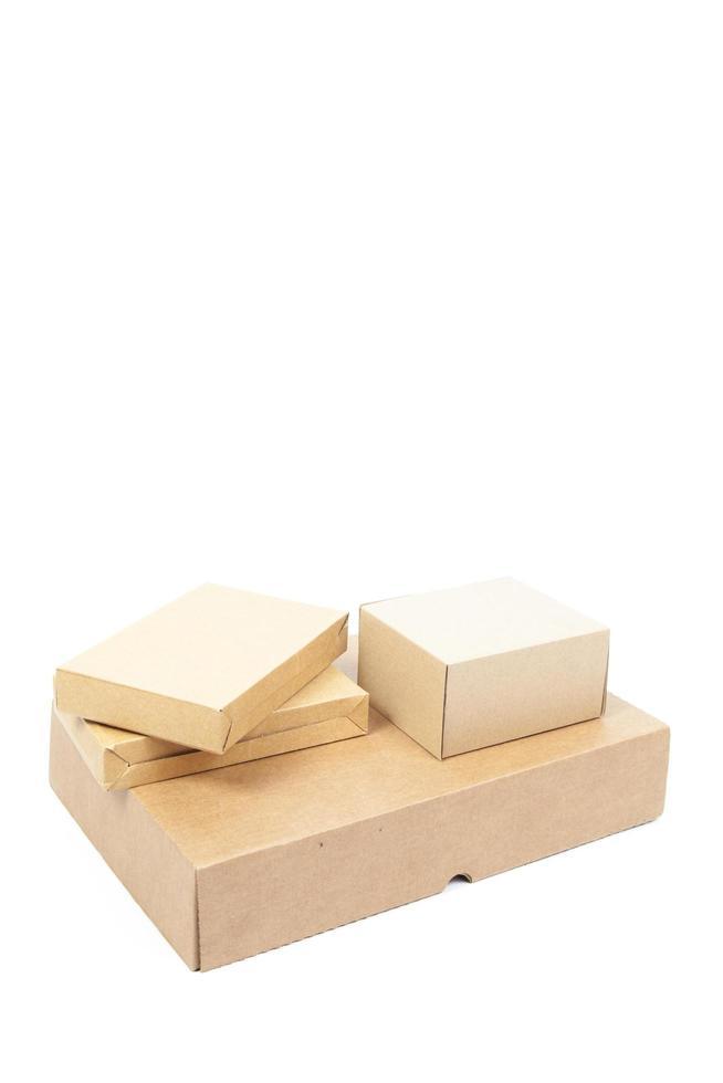 piccole scatole di cartone marroni foto