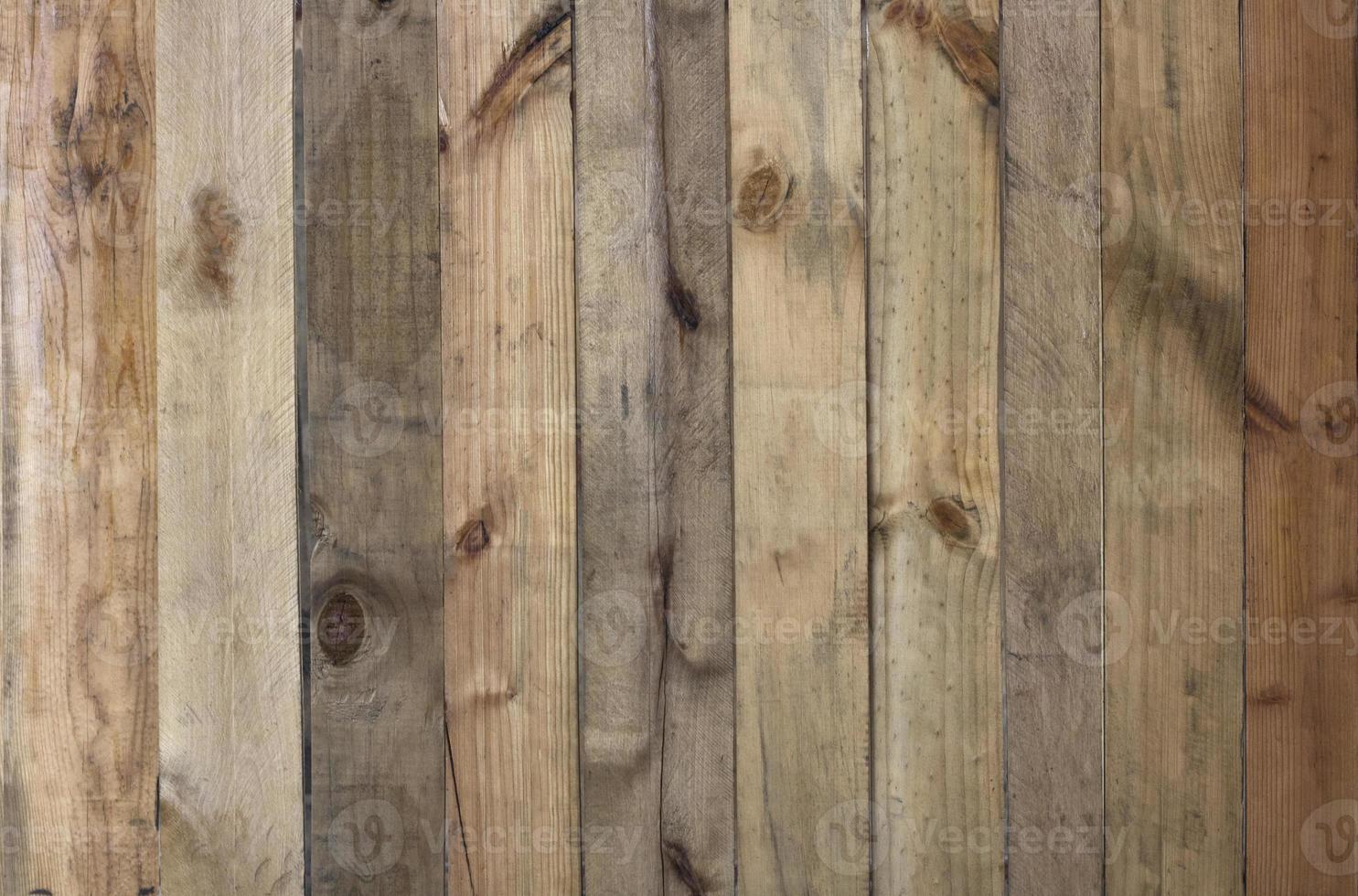 parete in doghe di legno foto