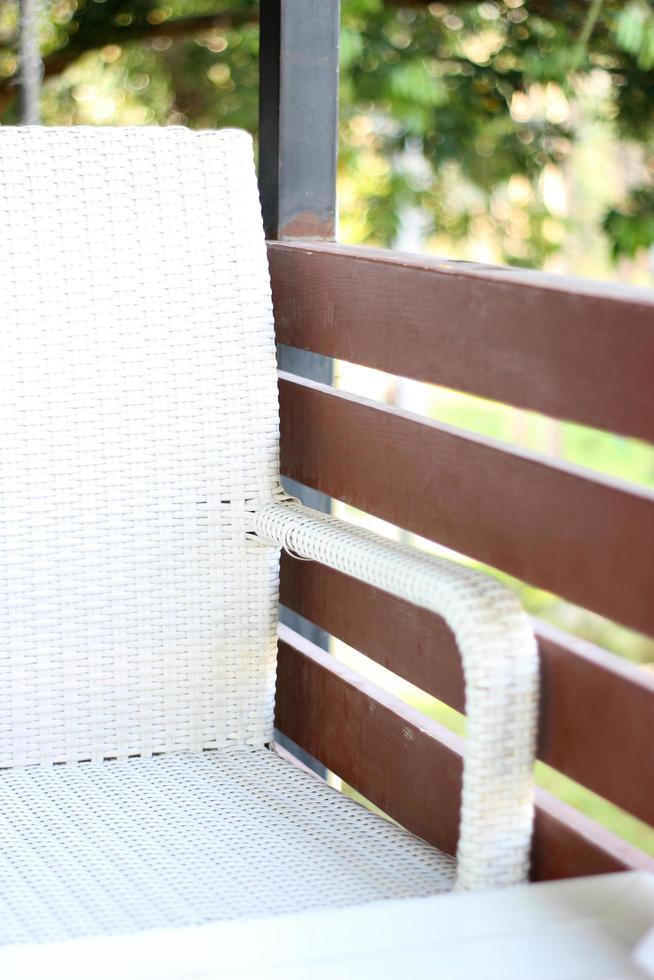 sedia sul ponte esterno foto