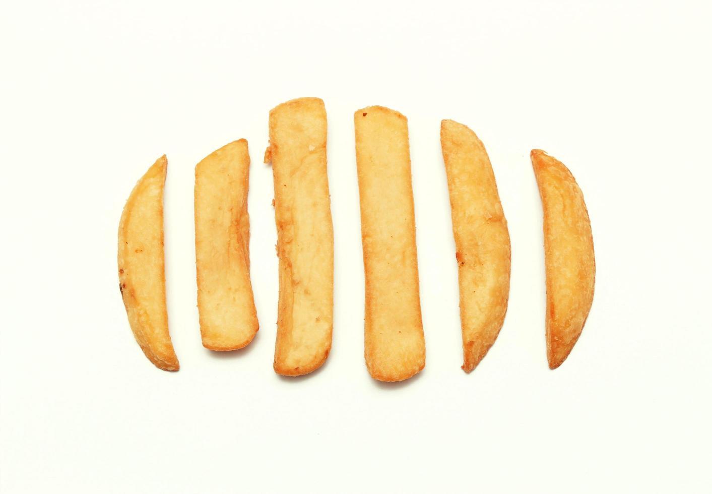 fila di patatine fritte foto