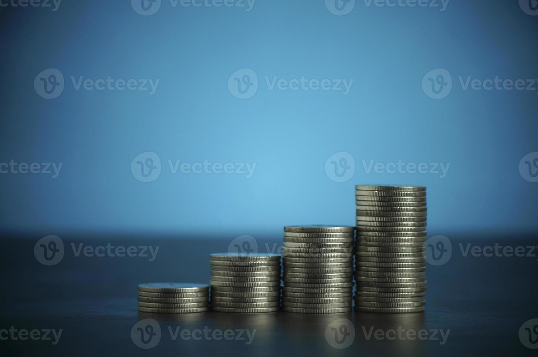 pila di monete in denaro foto