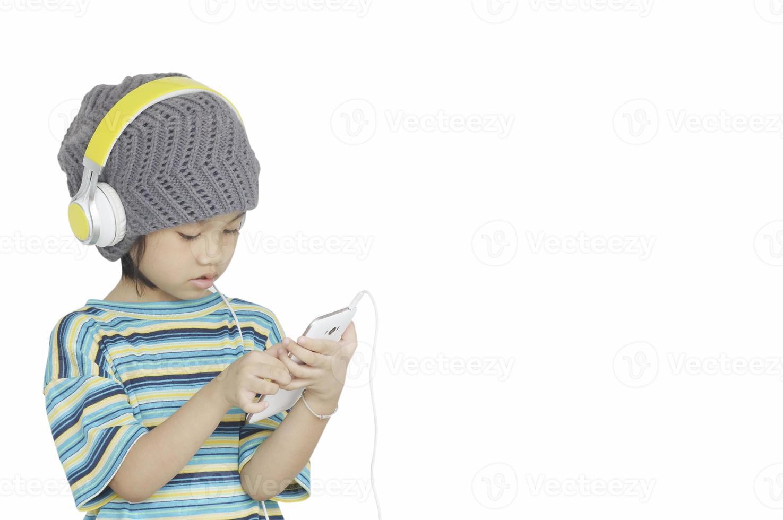 giovane ragazza ascoltando musica con le cuffie foto