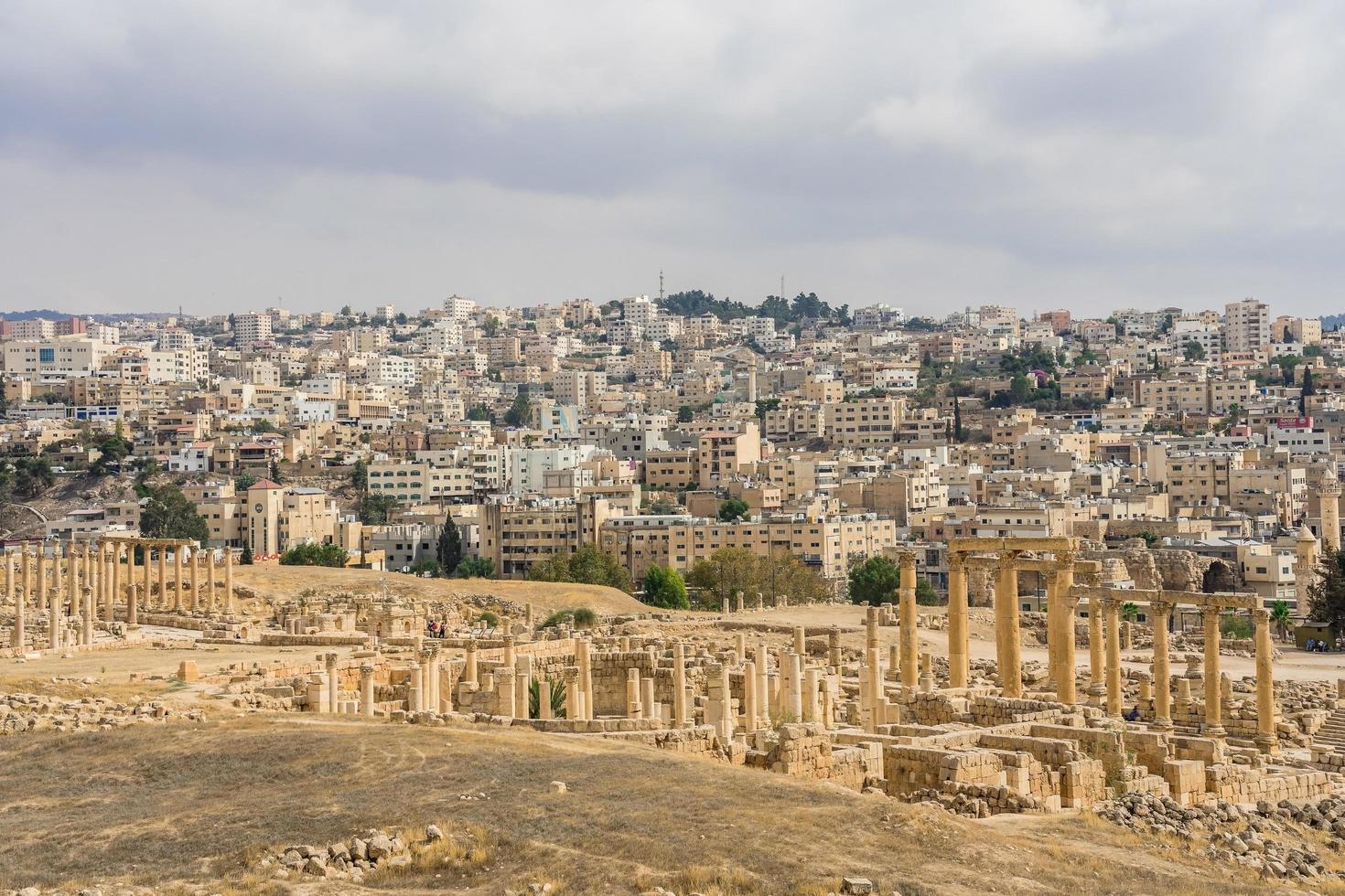 antiche rovine romane a jerash, giordania foto