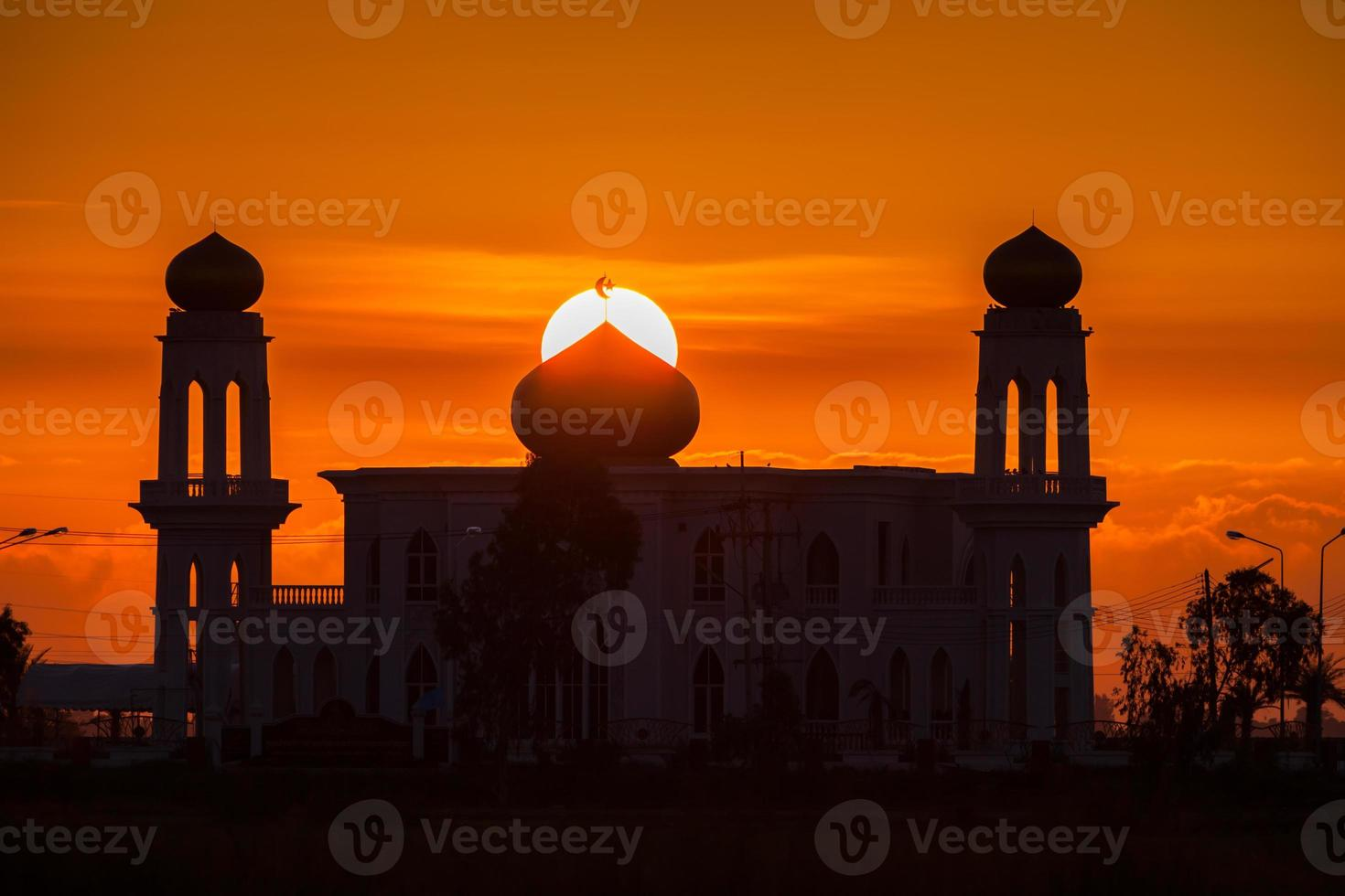 dubai, emirati arabi uniti, 2020 - sagoma del grand bur dubai masjid foto