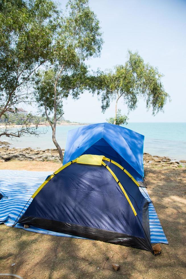 tenda in riva al mare foto