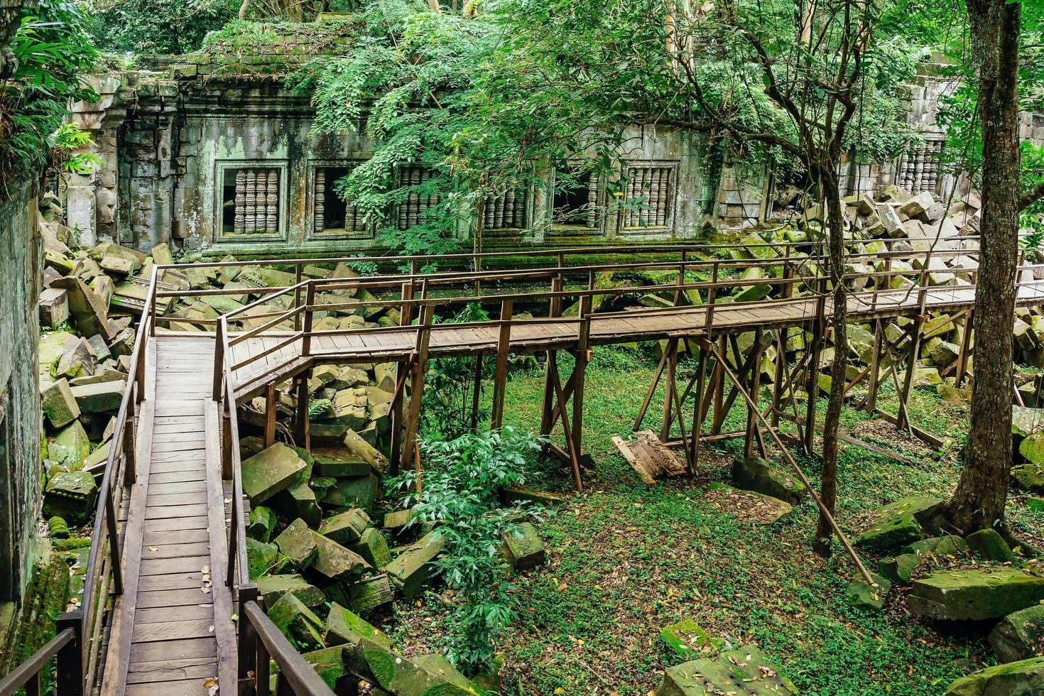 beng mealea rovine del tempio nel mezzo della foresta, siem reap, cambogia foto