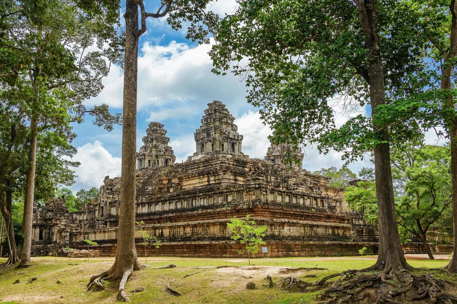 est mebon prasat tempio di angkor wat a siem reap, cambogia foto