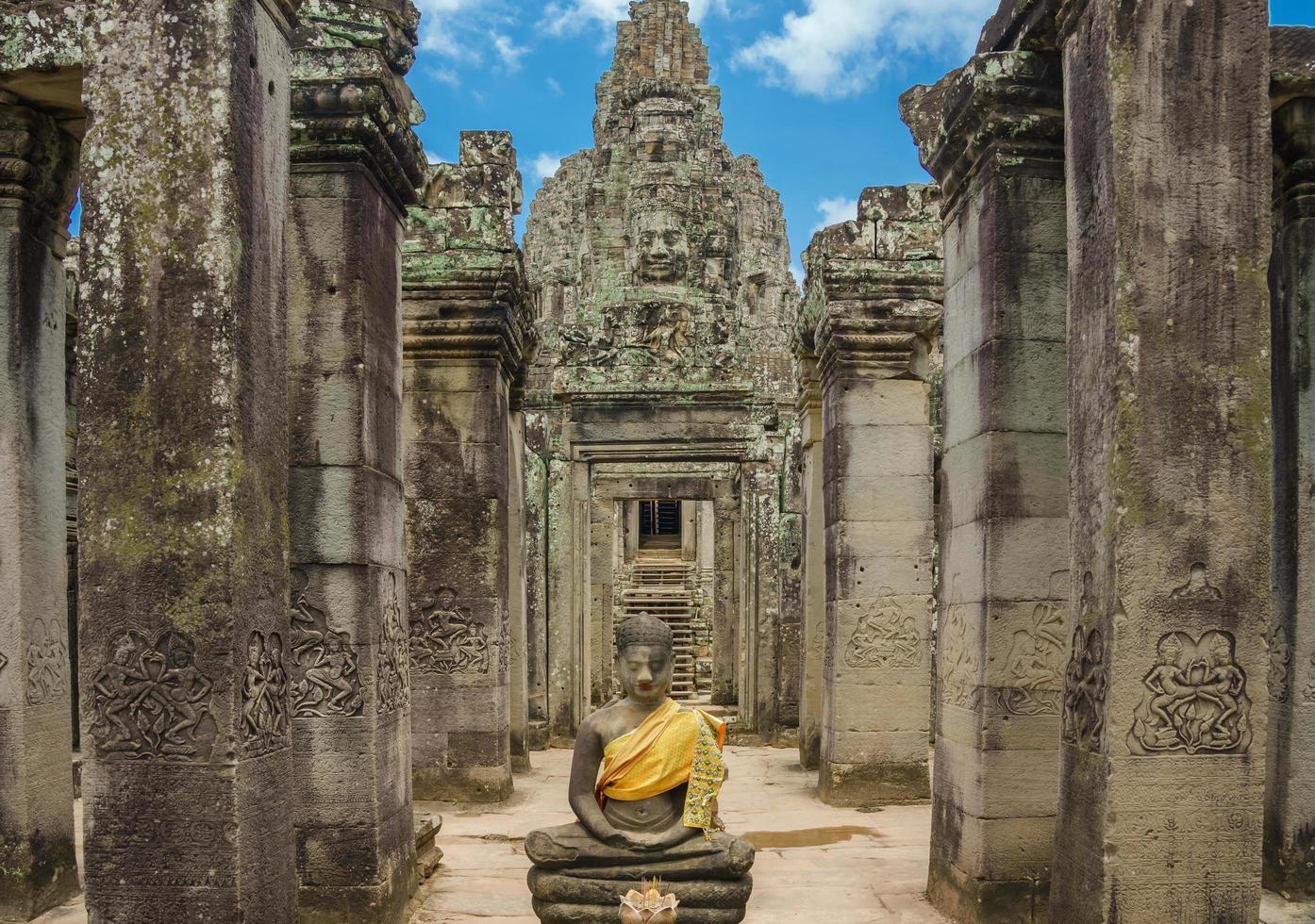 rovine del tempio bayon, angkor wat, siam reap, cambogia foto