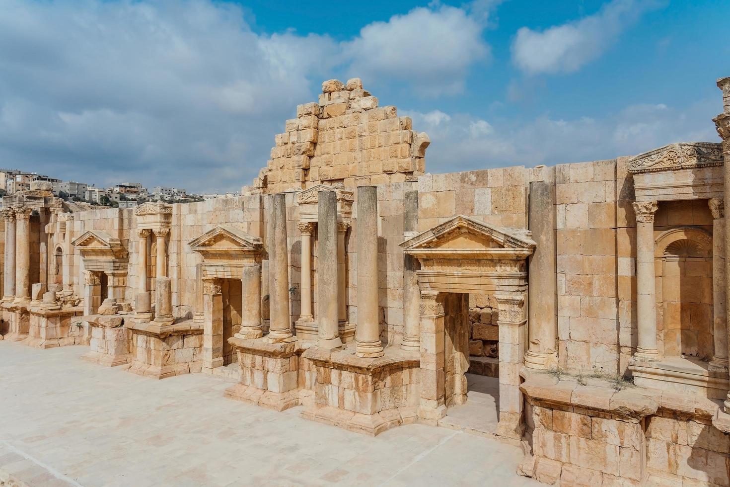 teatro sud nell'antica città romana di gerasa, giordania foto