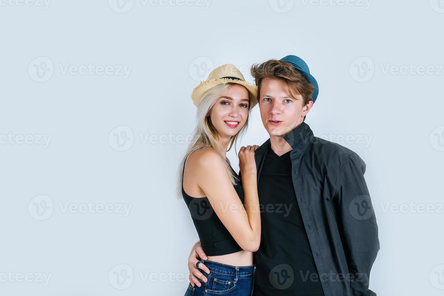 coppia di moda essere divertente insieme foto