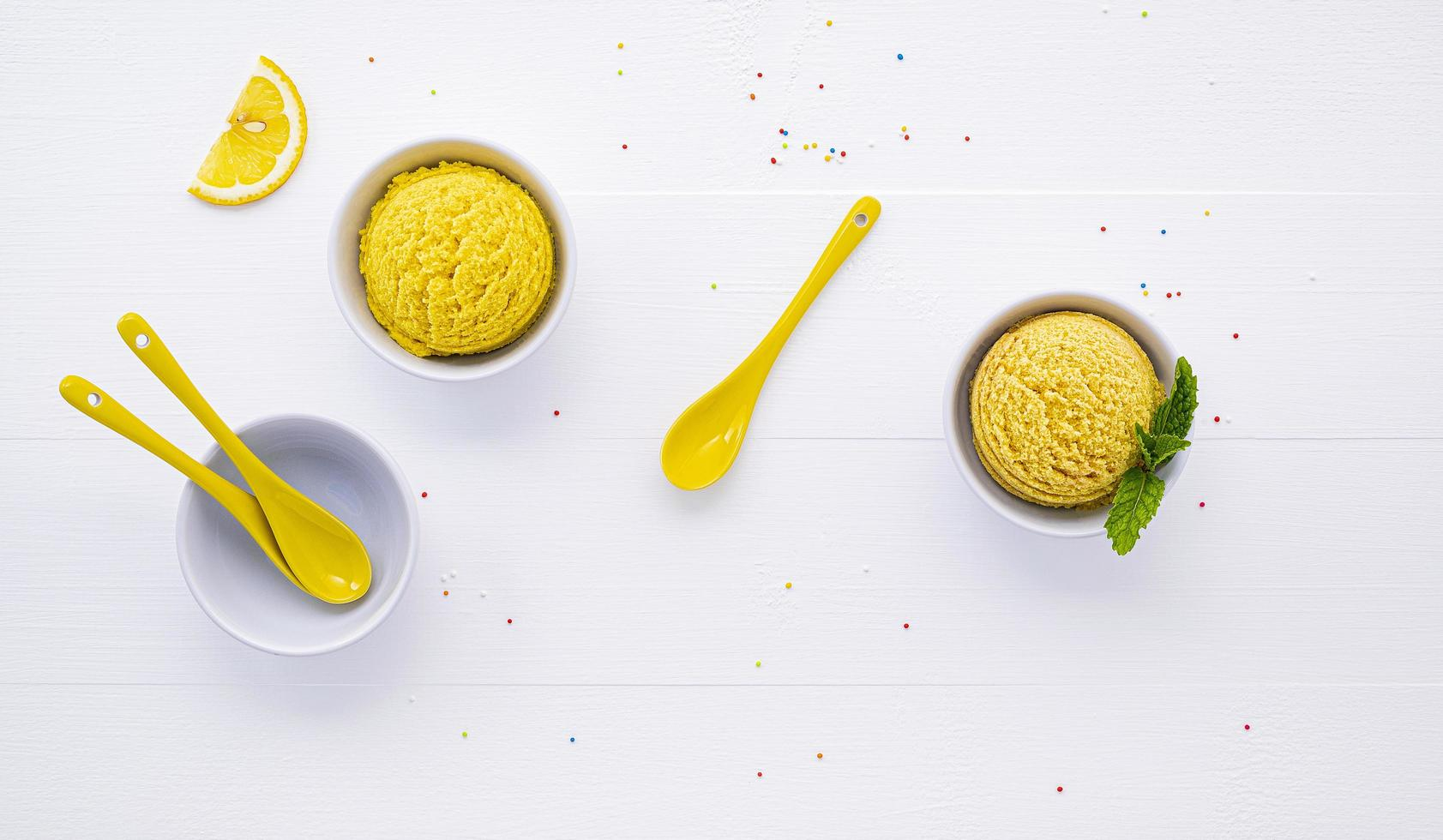 gelato al limone foto