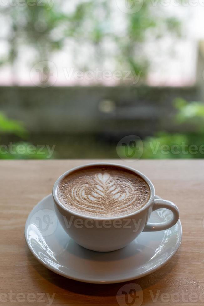 latte art in una tazza di caffè foto
