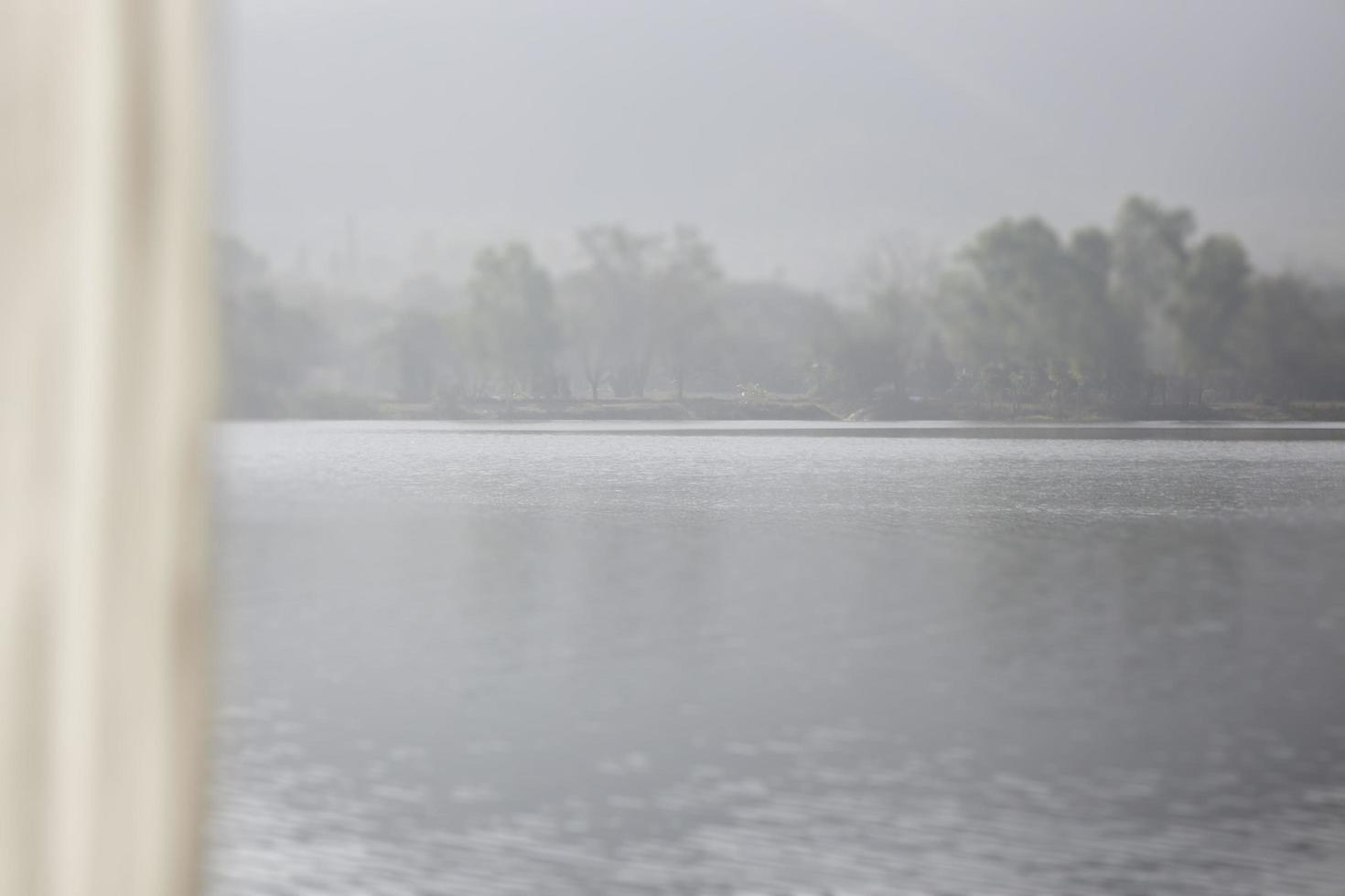 tenda e vista lago foto