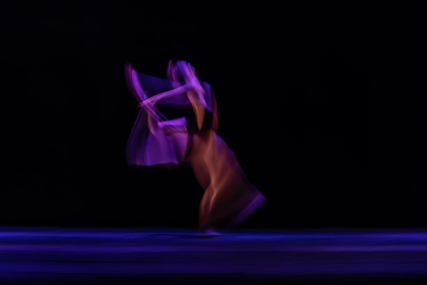 il movimento astratto della danza foto