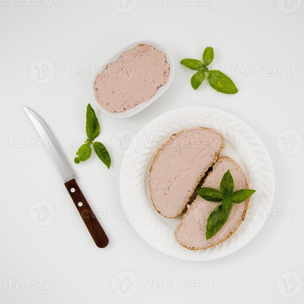 delizioso piatto di panini patè, vista dall'alto in basso foto