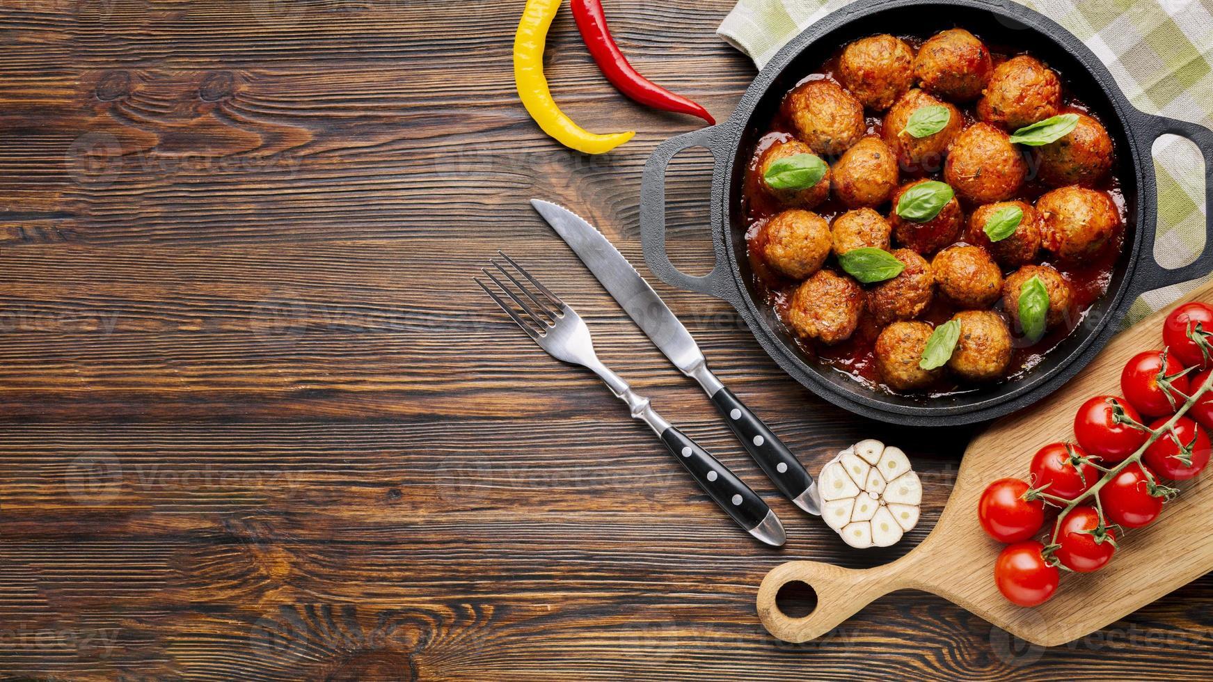 composizione di cibo italiano piatto con copyspace foto