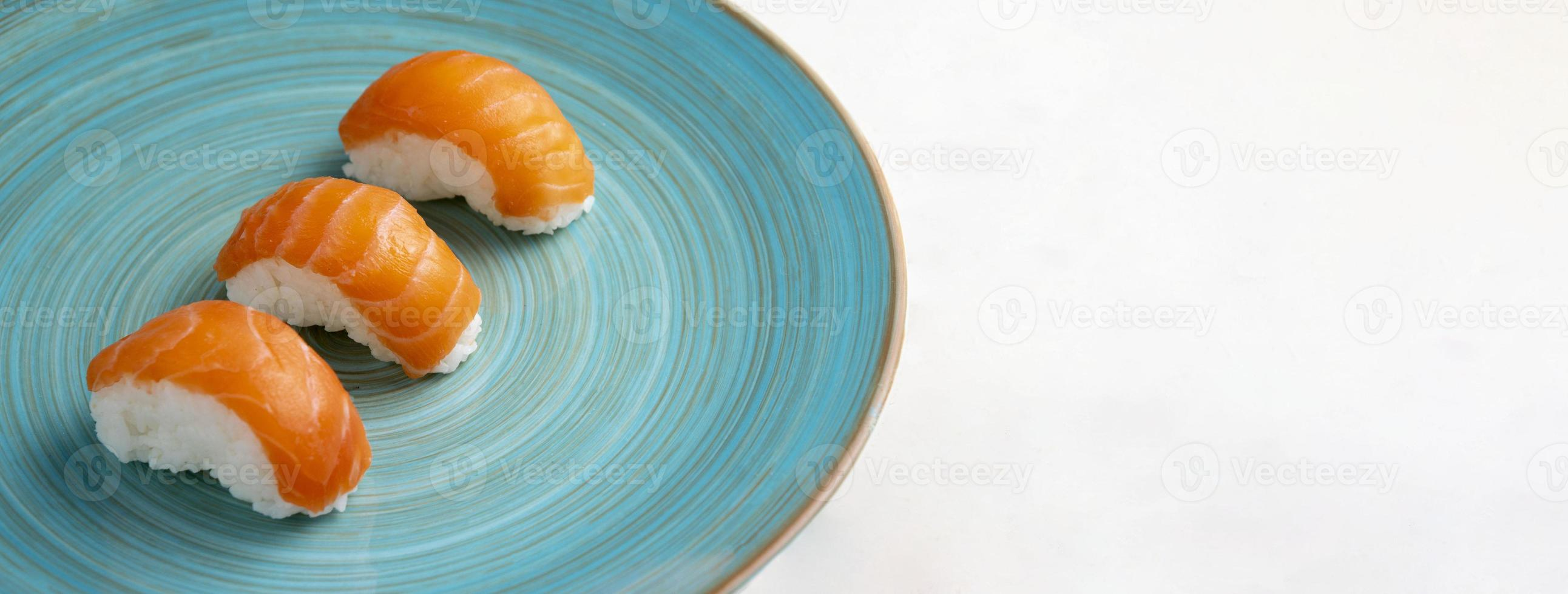 vista ravvicinata del delizioso concetto di sushi foto