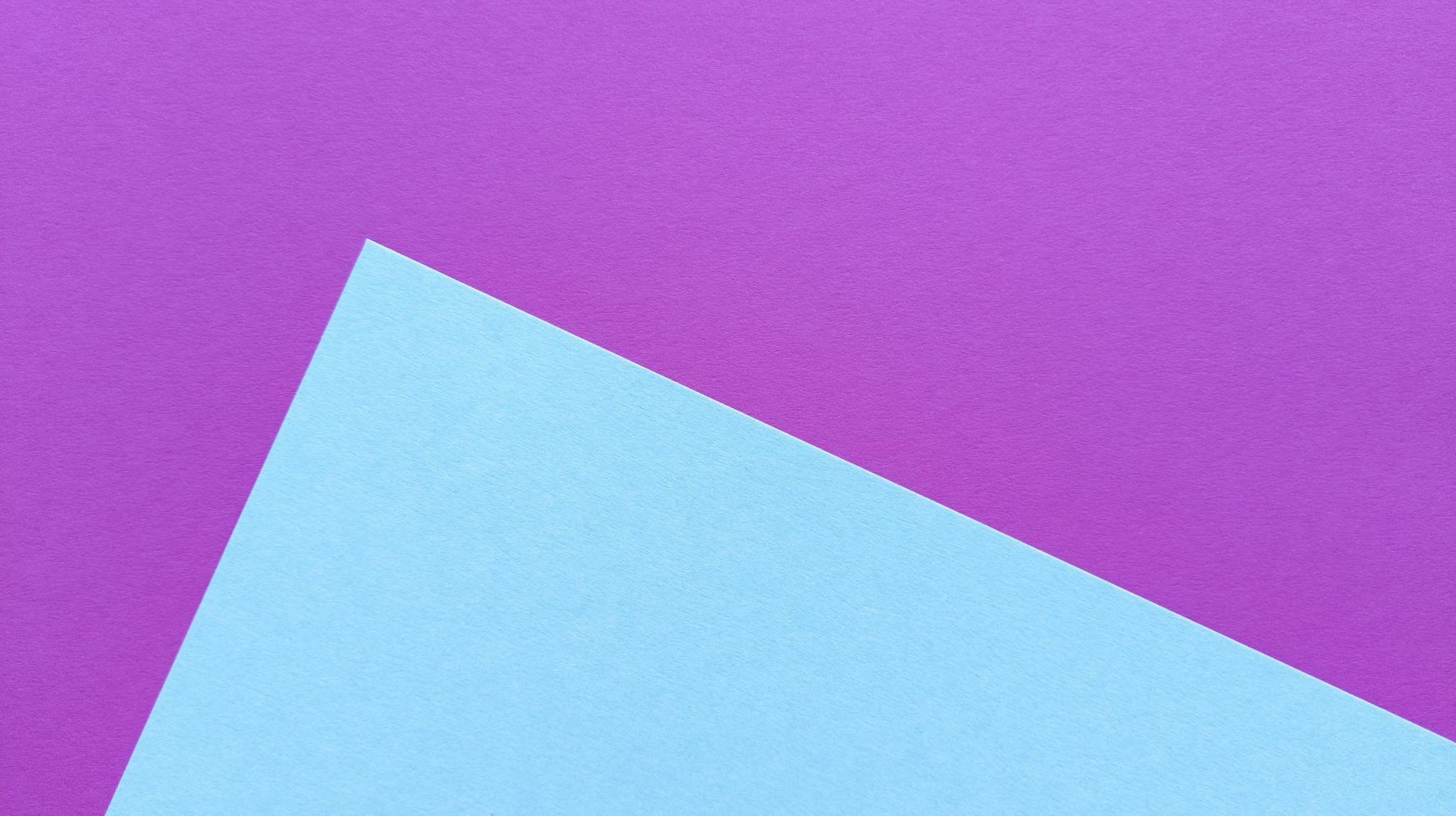 sfondo trama pastello rosa e blu. fogli viola, rosa, verdi, blu sulla foto. foto