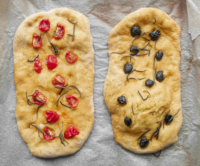 pizza fatta in casa pane al rosmarino foto