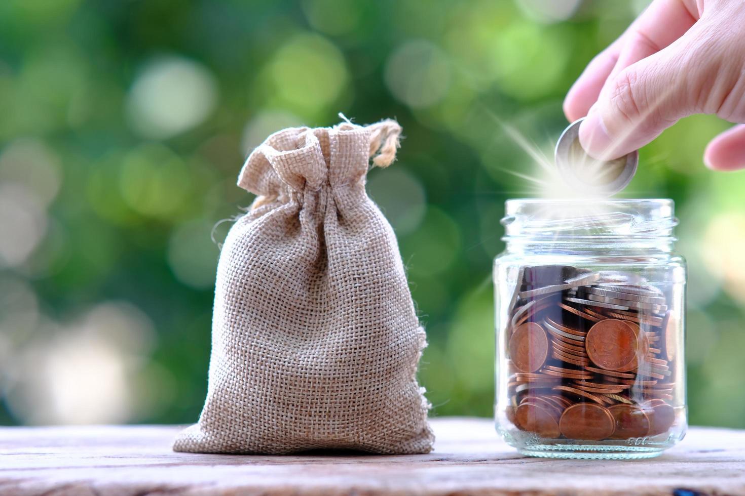 risparmio di denaro e concetto di crescita aziendale foto