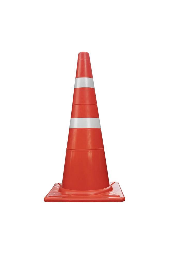 cono di traffico di colore arancione riflettente isolato su sfondo bianco. foto