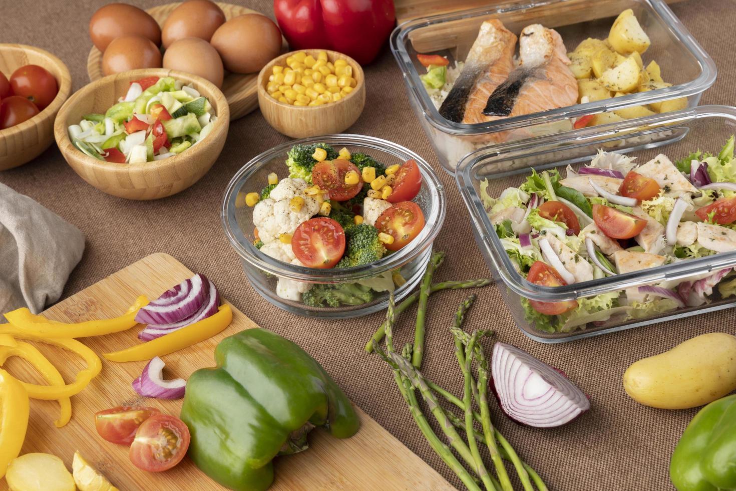 vista dall'alto nutrizione cibo pianificazione dei pasti foto