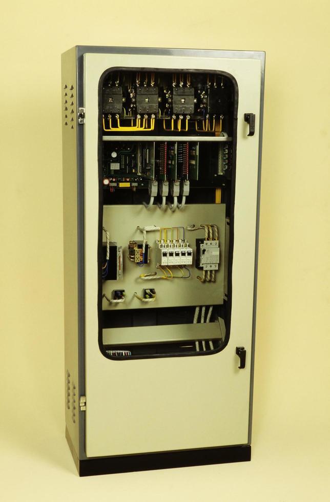 centraline per ascensori moderni completamente elettronici foto