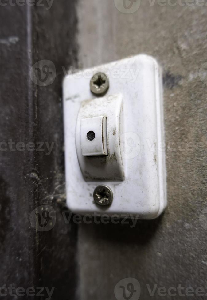 vecchio interruttore elettrico foto