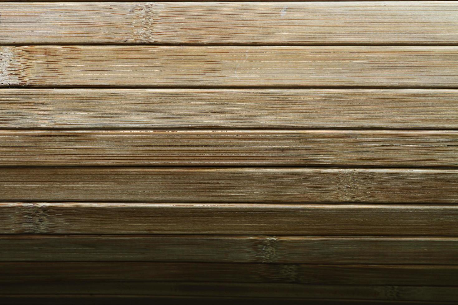 persiane in legno massello di qualità. foto
