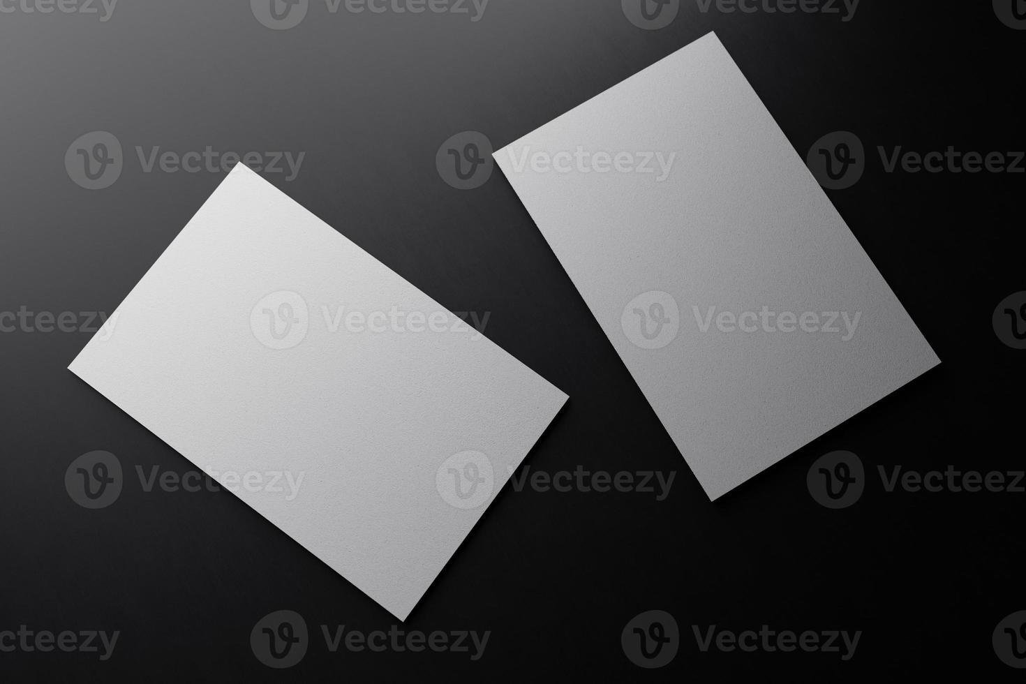 modello di mockup di carta per biglietto da visita verticale bianco con copertura di spazio vuoto per inserire il logo dell'azienda o l'identità personale su sfondo nero del pavimento di cartone. concetto moderno. Rendering di illustrazione 3D foto