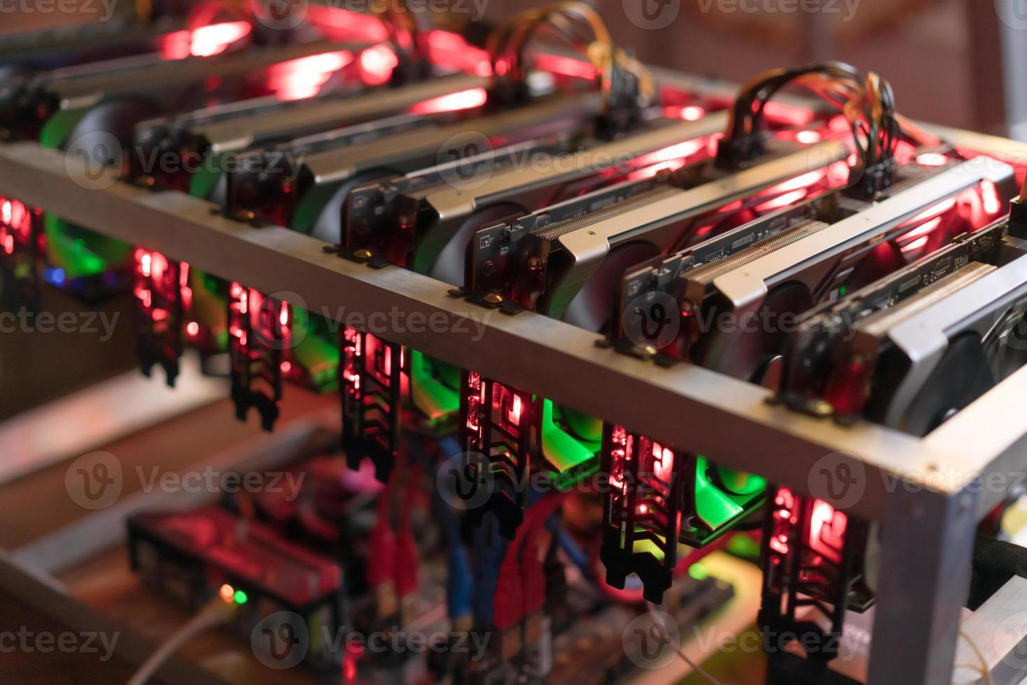 fattoria mineraria bitcoin. scheda grafica per minatore digitale foto
