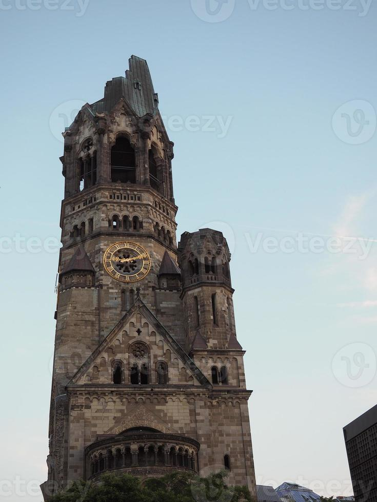 chiesa commemorativa di kaiser wilhelm a berlino foto