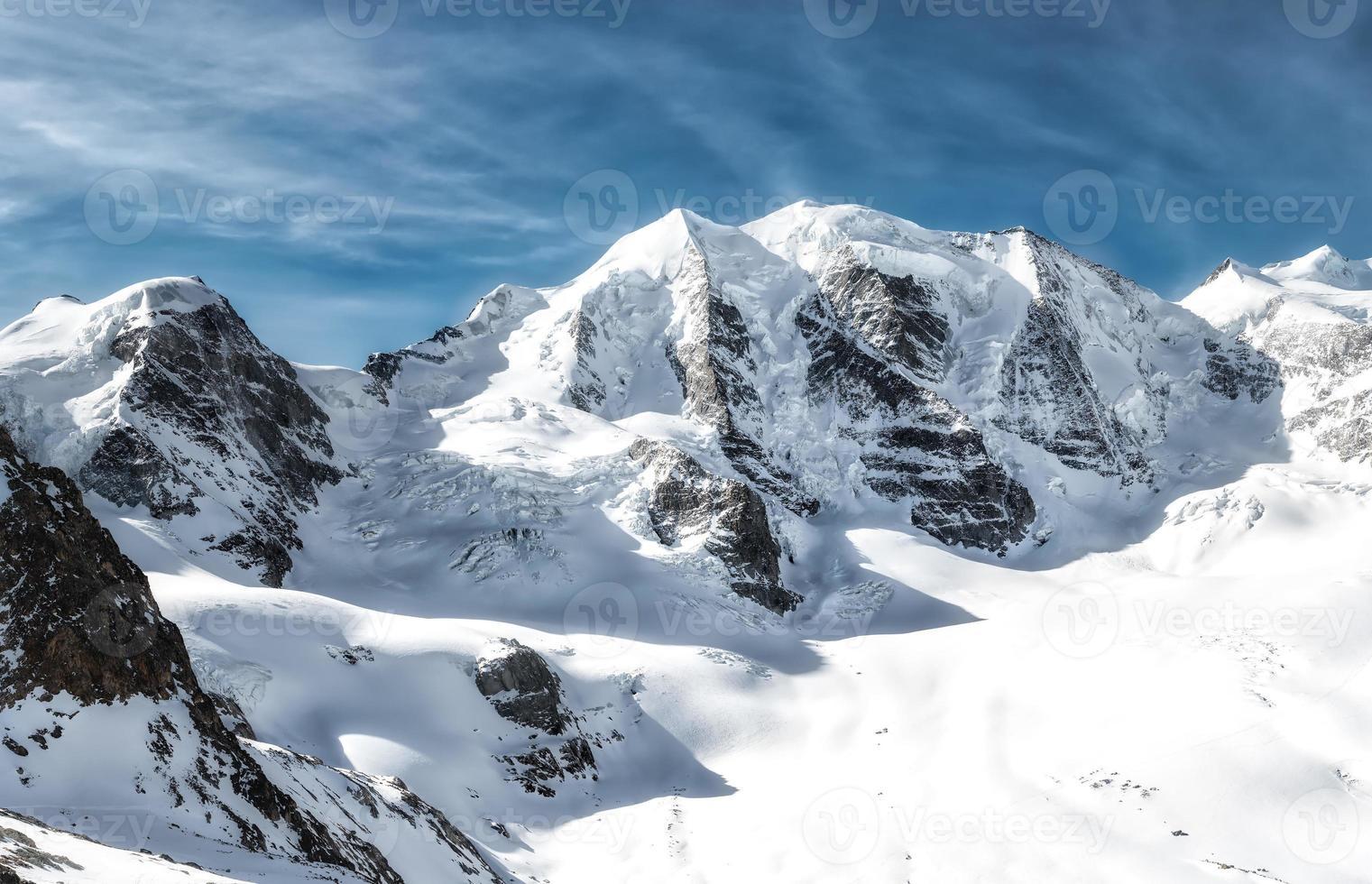 panorama montano delle alpi retiche piz palu foto