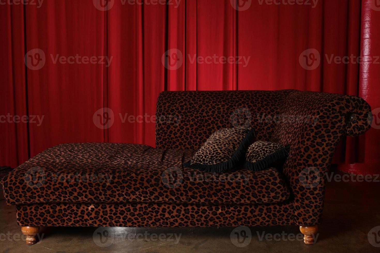 elemento della tenda del drappo del teatro del palcoscenico foto