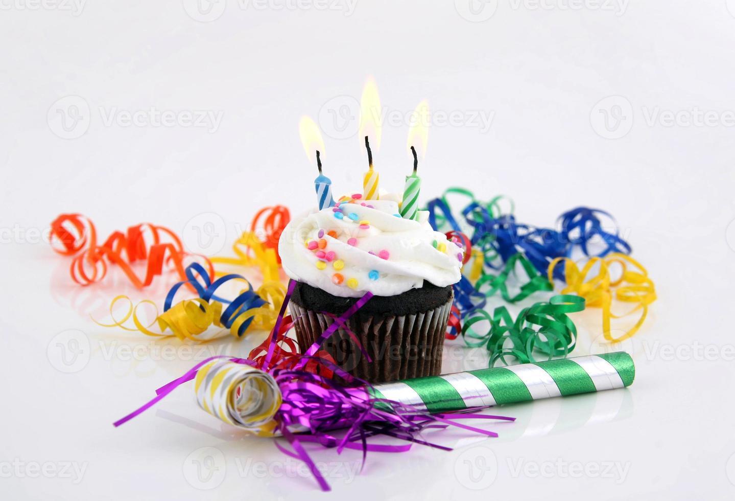 candele in una torta foto