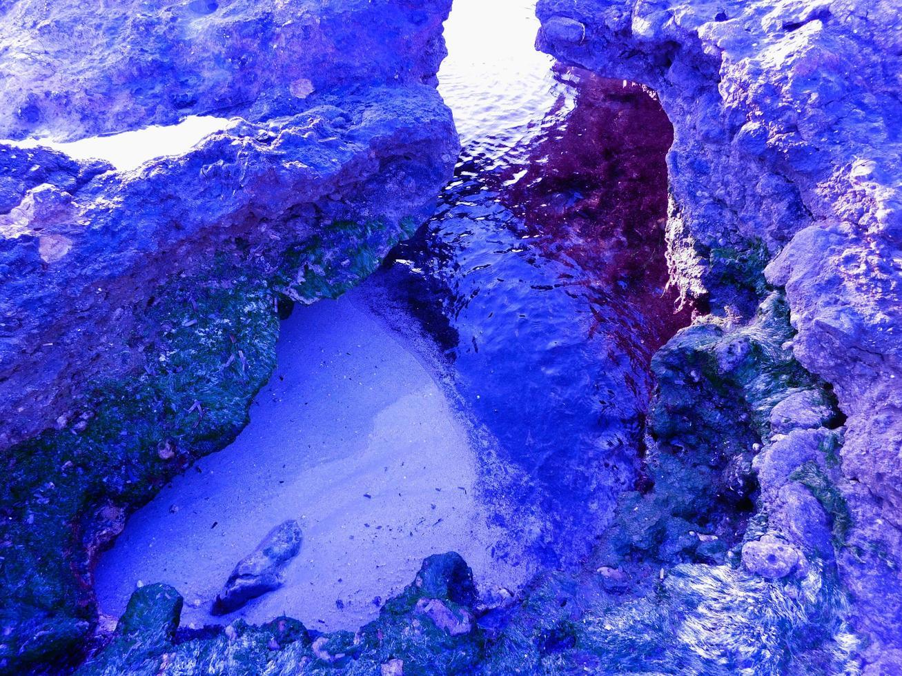 mare all'aperto di giorno foto