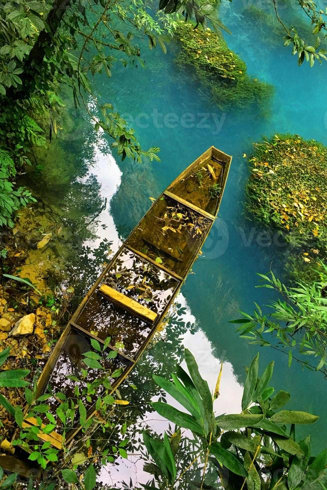 vista dal ponte di vetro nel grand canyon di zhangjiajie nella cina sanguansi foto