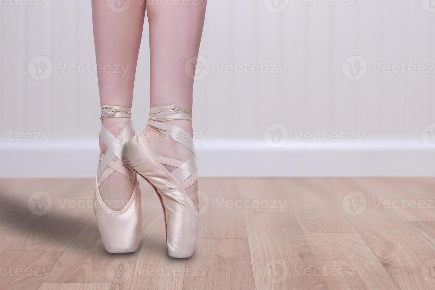 perfetto ballerino en pointe con copia spazio foto