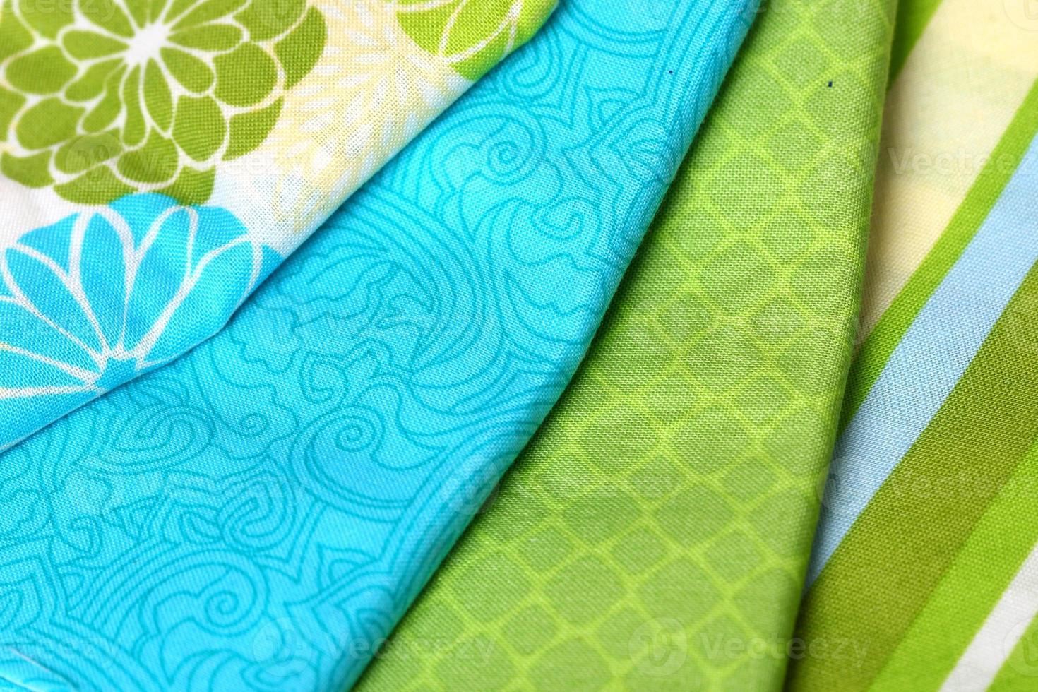 tavolozza di tessuto colorato blu e verde foto