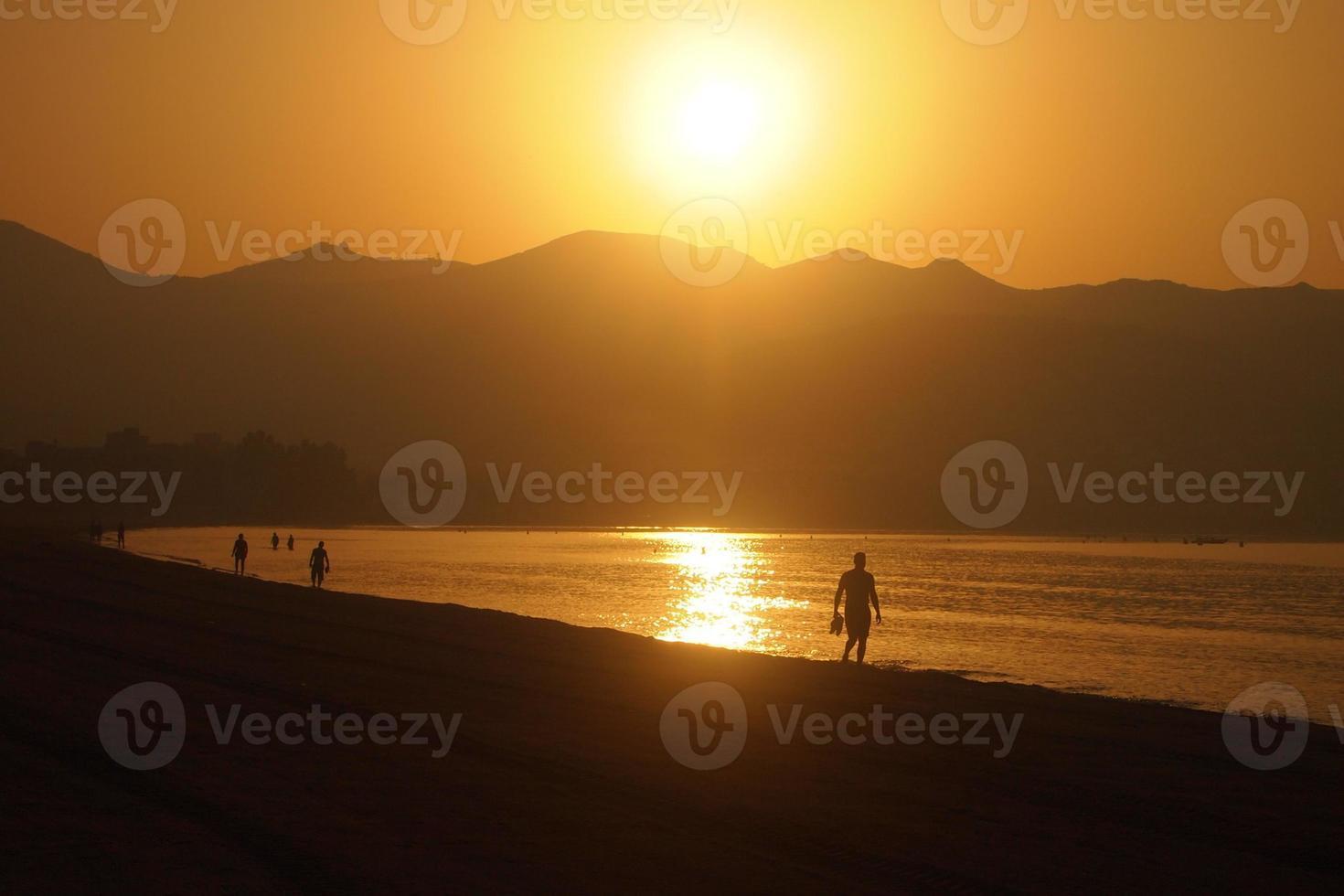 spiaggia all'alba foto