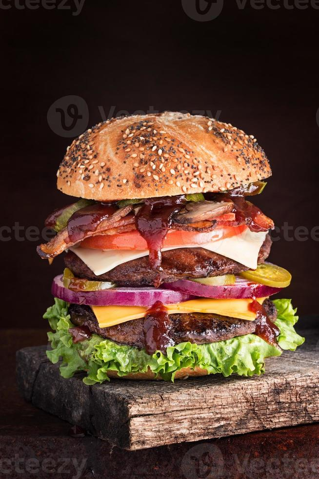 cheesburger a due piani supremo foto