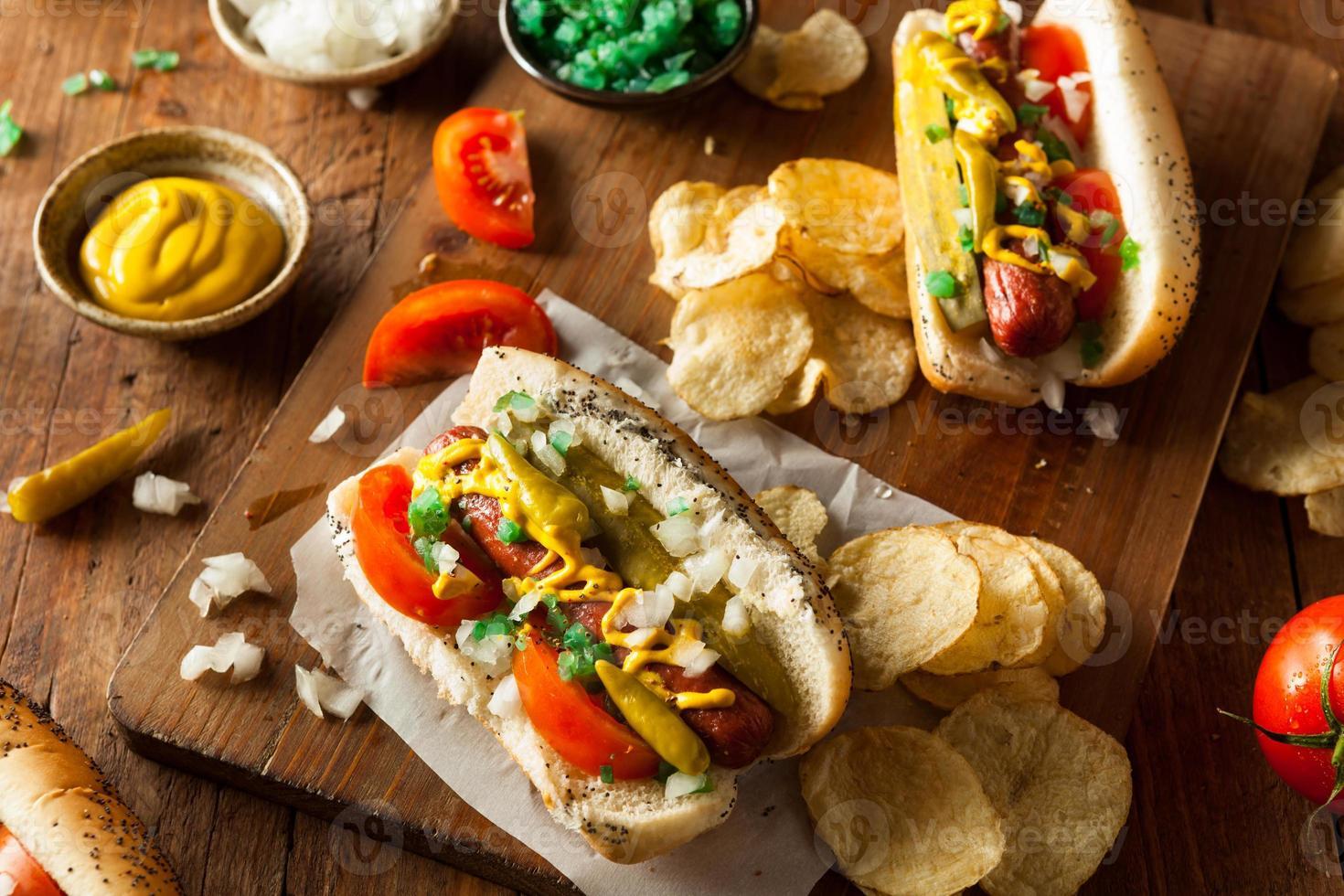 hot dog fatto in casa in stile chicago foto