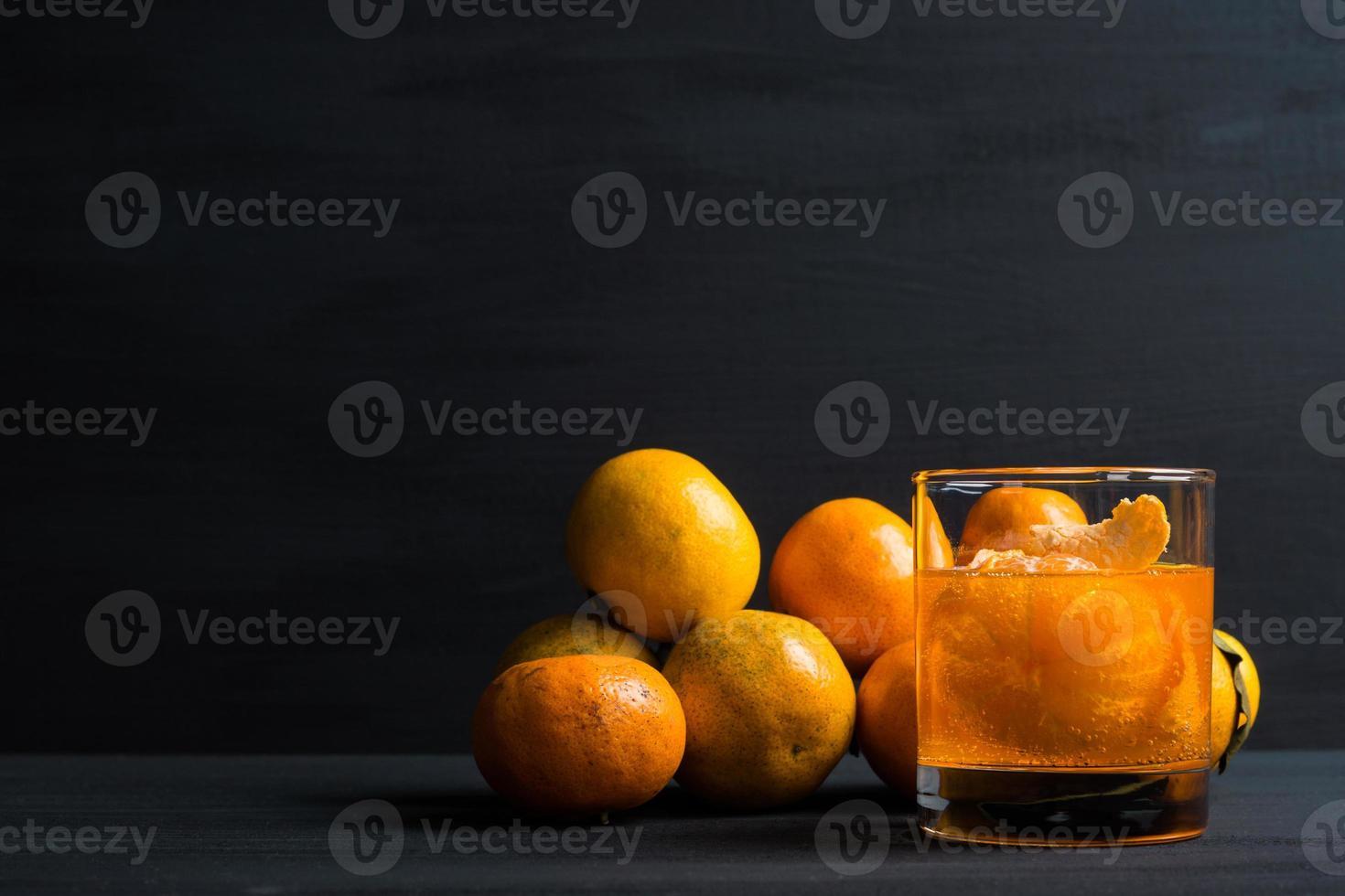 cocktail all'arancia con arance foto