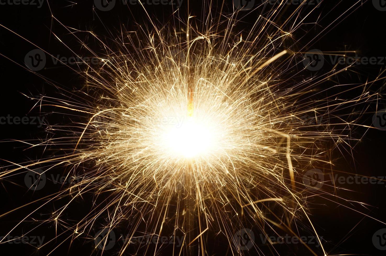 fuochi d'artificio al buio foto